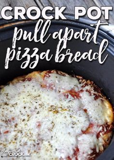 If you need a quick, easy recipe to add some flavor to your Italian night, I have the recipe for you! This Crock Pot Pull Apart Pizza Bread is awesome! Crock Pot Pizza, Crock Pot Bread, Slow Cooker Bread, Slower Cooker, Monkey Bread Crockpot, Basic Dinner Roll Recipe, Cooker Recipes, Crockpot Recipes, Pull Apart Pizza
