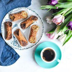 Time for cannoli and coffee ☕️ #eatlittlebird