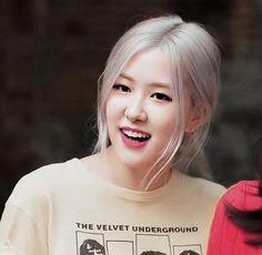 Korea Wallpaper, Jenna Ortega, Rose Park, Park Chaeyoung, Love Rose, Big Love, Aesthetic Photo, These Girls, K Idols
