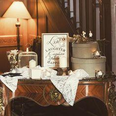 ❈❈❈ ✫ wedding report 19✫ ウェルカムスペースのテーブルのうちの一つ。 ケーキには飾らなかったケーキトッパーが、ここでいい味出してくれました 式場のテーブルが、アンティーク調で雰囲気にも馴染んで素敵だったなぁ☺️⋆* ・ photo by adorestudio ・ #yuw_havin1015 #結婚式 #bigday #卒花 #ウェルカムスペース #ウェディングアイテム #ケーキトッパー #ジェームス邸 #ノバレーゼ #novarese #adorestudio #2016秋婚 #2016wedding #ウェディングニュース #marry花嫁