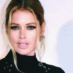 """""""I always comment the same thing on Doutz's photos, gosh, it's because I get nervous about how much perfect she can be and I have no words to describe.. Look this, holy crap, God must be pretty happy when he made her. #doutzen @doutzen #perfection #hot #sexy #lips #what #dutch"""" Photo taken by @doutzenkroesdaily on Instagram, pinned via the InstaPin iOS App! http://www.instapinapp.com (05/16/2015)"""