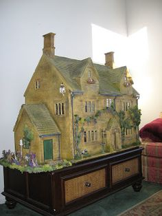 Cookie's World of Historic Dolls Houses and Miniatures: The House of the Three Widows