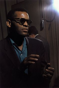 The Nifty Fifties — Ray Charles photographed by Lee Friedlander,. 50s Glamour, Vintage Black Glamour, Ray Charles, Music Icon, Soul Music, Indie Music, Lee Friedlander, Neo Soul, Stevie Wonder