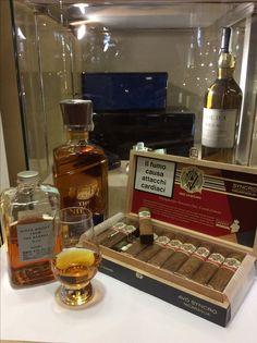 Degustazione nikka 12 anni whisky, nuovo sigaro Avo syncro e per completare Whisky nikka from the barrel... buon Natale! #nikkawhisky #avocigars #whisky #japaneswhisky #whiskygiapponese #whiskylovers #cigarsafficinado #cigarsnob #whiskycollection #tabaccheriatoto13 #luxurylife #luxurious #avocigars #davidoffcigars