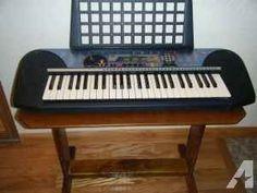 Electronic Keyboard Yamaha Portable PSR-140 - $75 (Lady Lake)
