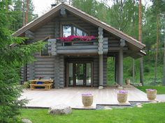 Pretty log cabin home Tiny House Cabin, Log Cabin Homes, Log Cabins, Cabins In The Woods, House In The Woods, Cabin Design, House Design, Log Cabin Exterior, Building A Small House