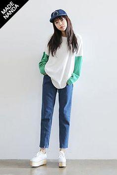Today's Hot Pick :时尚配色圆领上衣 http://fashionstylep.com/SFSELFAA0028995/stylenandacn/out 时尚配色圆领上衣 下身搭配卷边牛仔短裤尽显小清新范儿 - 时尚配色 - 简约圆领 共3种颜色,喜欢的MM们心动不如行动哦^^