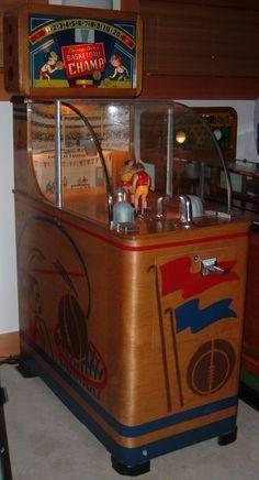 Chicago Coin's Basketball Champ 1947 Arcade Game Machines, Arcade Machine, Vending Machines, Gambling Machines, Vintage Games, Vintage Toys, Vintage Slot Machines, Juke Box, Retro Arcade Games