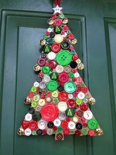 All you need are brightly-coloured buttons to craft this alternative Christmas tree Christmas Projects, Christmas Art, Holiday Crafts, Christmas Holidays, Christmas Ornaments, Summer Crafts, Homemade Christmas, Christmas Ideas, Button Art