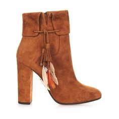 Aquazzura Coachella suede ankle boots (1,095 CAD) ❤ liked on Polyvore featuring shoes, boots, ankle booties, tan, thick heel booties, chunky heel boots, tan ankle boots, short boots and suede ankle booties
