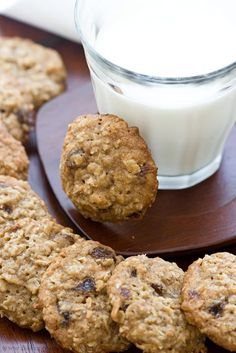 Oatmeal Coconut Raisin Cookies by Baking Obsession Oatmeal Coconut Cookies, Oatmeal Raisin Cookies, Chocolate Chip Oatmeal, Chocolate Chips, Chocolate Food, Cookie Desserts, Just Desserts, Delicious Desserts, Dessert Recipes