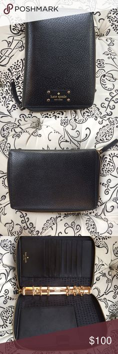 Kate Spade 2016 Planner - Perfect Condition! Kate Spade Black 2016 Planner. Purchased this and used once before switching to another planner style. There is no wear or tear, and can be easily filled with new pages for 2017. kate spade Bags Cosmetic Bags & Cases