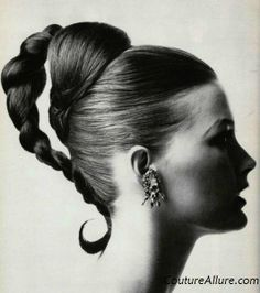 Vintage hairstyles for the evening - 1965 - hair - hair Mexican Hairstyles, 1950s Hairstyles, Vintage Hairstyles, Braided Hairstyles, Evening Hairstyles, Beautiful Hairstyles, Retro Updo, Cool Braids, Pin Curls