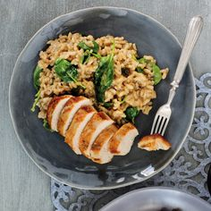 Pair risotto with roast chicken breasts and you'll have a wholesome mid-week meal you'll go for again and again, and learn a new cooking skill as well. Chicken Breast Fillet, Roasted Chicken Breast, Roast Chicken, New Cooking, Cooking Time, Spinach Risotto, Spinach And Cheese, Poultry, Healthy Recipes