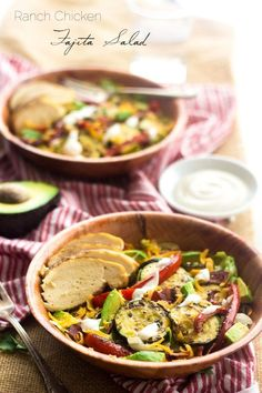 Healthy Ranch Taco Salad -  I am seriously obsessed with this. Healthy, Cheese AND Bacon  in ONE BOWL. | Foodfaithfitness.com | @FoodFaithFit