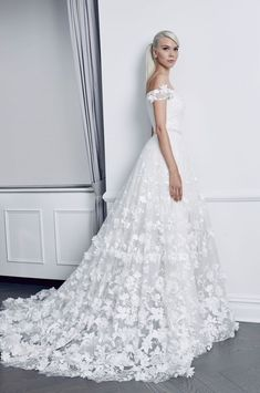 Courtesy of Romona Keveza Collection Bridal; Wedding dress idea.