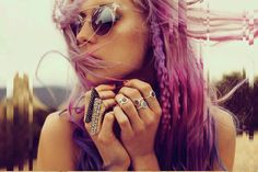 This , be his princes, get with our rainbow hair, a crazy style and an anti-modelling attitude, Chloe Norgaard is latest obsession. Style Hippie Chic, Gypsy Style, Boho Chic, Bohemian, Boho Gypsy, Summer Hairstyles, Pretty Hairstyles, Style Hairstyle, Hippie Hair