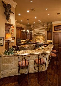 - In Tuscan kitchen design, there are particular elements that you can incorporate into achieving your Italian style kitchen. Tuscan kitchens often have. Tuscan Kitchen Design, Rustic Kitchen, Interior Design Kitchen, Kitchen Ideas, Italian Kitchen Decor, Bar Kitchen, Tuscan Kitchen Colors, Kitchen Stools, Kitchen Designs