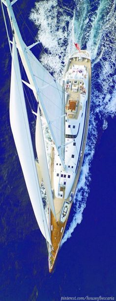 ~Sailing in Santorini ...................................////////