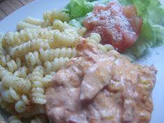 Hallon & Blåbär: Falukorvgratäng Pasta Salad, Potato Salad, Nom Nom, Food Porn, Food And Drink, Lunch, Glad, Snacks, Chicken