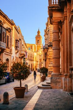 The Silent City of Mdina & The Town of Rabat - Malta Travel Guide Beautiful Streets, Beautiful Places, Malta Travel Guide, Malta Beaches, Malta Gozo, Beautiful Sunrise, Where To Go, Great Places, Tourism