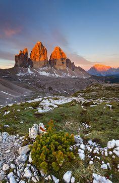 Sonnenaufgang auf den Dolomiten, Drei Zinnen. Lohnenswerte Bergtour