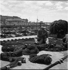 """""""Mar del Plata 1940s -1960s II""""  Ph: Annemarie Heinrich - Heinrich Sanguinetti Archive - British Library British Library, Carmen Miranda, Cinema, Photograph, Portrait, Travel, Collection, Mar Del Plata, Eva Peron"""