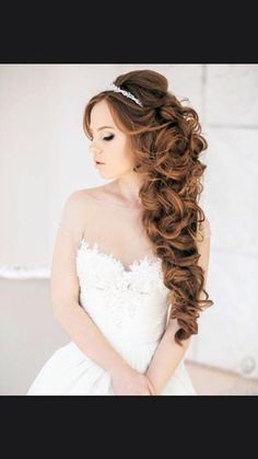 Unbelievable Gorgeous wedding hairstyles for the big day. Weather you are looking for a Half Up Half Down or Bun style, we are sure you have something for you.weddingforwar… The post Gorgeous wedding hairstyles for the big day. Quince Hairstyles, Wedding Hairstyles For Long Hair, Bride Hairstyles, Pretty Hairstyles, Hairstyle Wedding, Dress Hairstyles, Hairstyle Ideas, Sweet Hairstyles, Woman Hairstyles