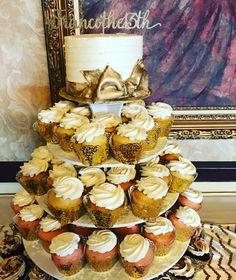 Golden cupcake tower wedding cupcakes #carinaedolce  www.carinaedolce.com www.facebook.com/carinaedolce Cupcake Tower Wedding, Wedding Cupcakes, Facebook