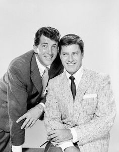 Dean Martin and Jerry Lewis, circa 1955. Hollywood Actor, Golden Age Of Hollywood, Hollywood Stars, Classic Hollywood, Old Hollywood, Dean Martin, Martin Movie, Comedy Tv Shows, Comedy Duos