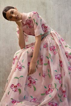 Sfilata Carolina Herrera New York - Pre-collezioni Primavera Estate 2018 -  Vogue Alta Moda a7bedbc8bcc