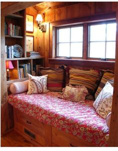Super Bowl party or quiet time in this little rustic nook?? You tell us! #superbowl #rusticcabin
