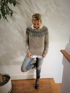 Humulus pattern by Isabell Kraemer Ravelry: Humulus pattern by Isabell Kraemer. Poncho Lana, Icelandic Sweaters, How To Purl Knit, Sweater Knitting Patterns, Fair Isle Knitting, Sweater Fashion, Knit Crochet, Crochet Style, Girly