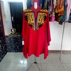 Image may contain: people standing African Shirt Dress, African Wear Dresses, African Fashion Ankara, African Print Fashion, Africa Fashion, African Attire, African Dress Patterns, Afro, African Blouses