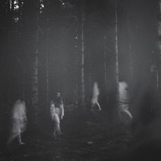 Deborah Sheedy is an artist living and working in Dublin. Deborah is a film student, a fact that shows in her atmospheric, black and white photography. Horror Photography, Dark Photography, Black And White Photography, Creepy Photography, Food Photography, White Aesthetic, Aesthetic Grunge, Black And White Portraits, Black White Photos
