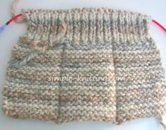 This is what your slipper knitting will look like on the wrong side - Knitting Projects Beginners Knitting Kit, Easy Knitting Projects, Easy Knitting Patterns, Knitting Kits, Loom Knitting, Knitting Stitches, Knitting Socks, Crochet Patterns, Free Knitting