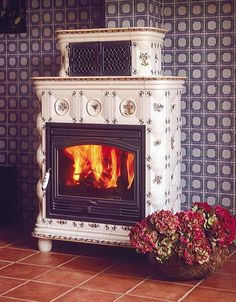 Traditional Ceramic Tile Wood Burning Stove: ALEXANDRA Atelier Ceramique Regnier