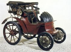 Jacob Lohner & Co in Vienna, Austria produced electric cars from 1898 to 1906.  Ferdinand Porsche, one of Lohner´s employees developed a drive system based on fitting an electric motor to each front wheel without transmissions (hub mounted).  Vehicles of this type were known as Lohner-Porsches