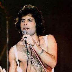 Photobook Of The Queen Mercury ⭐👑 Queen Love, Save The Queen, Rock Bands, Brian Rogers, Roger Taylor, We Will Rock You, Queen Pictures, Queen Freddie Mercury, Queen Band