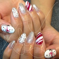 Photo by tee__ohh ......holiday Christmas nails