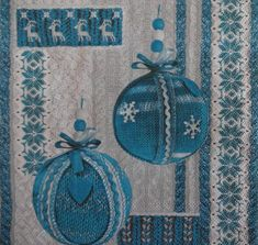 4 Blue Christmas Napkins, Christmas Bauble Nakins, Holiday Napkins, Decoupage Napkins, Christmas Dinner Decor, (BLUE BAUBLE)
