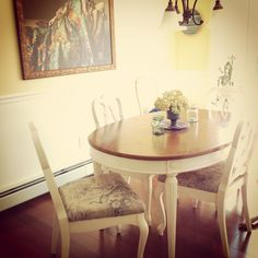 Painted table and chairs DIY