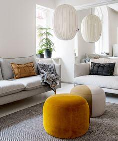 Kuusilinna - Kotimaisten sohvien erikoisliike vuodesta 1941 Ottoman, Throw Pillows, Chair, Bed, Furniture, Home Decor, Toss Pillows, Decoration Home, Cushions