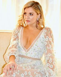 Lauren Alaina (@laurenalaina) • Instagram photos and videos Lauren Alaina, American Idol, Country Music, Beautiful Dresses, Beautiful People, Fashion Beauty, Gowns, Photo And Video, Lace