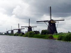 WINDMILLS, KINDERDIJK HOLLAND | Read more in Real WoWz