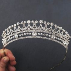 a much better image of the same tiara