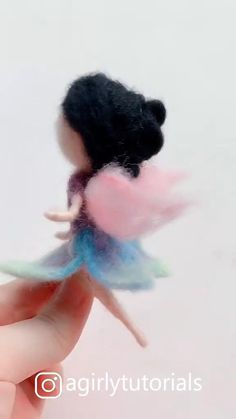 20 Pretty Doll Diy Ideas and Crafts Part 16 - Needle felting tutorials - Hello this time I will share a DIY video tutorial made a doll that you can emulate at home - Needle Felted Animals, Felt Animals, Diy Home Crafts, Felt Crafts, Bjd Doll, Needle Felting Tutorials, Felt Fairy, Pretty Dolls, Fairy Dolls
