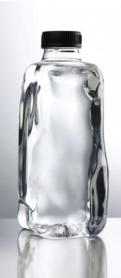 15 Ideas For Design Packaging Water Glass Bottles Water Packaging, Bottle Packaging, Brand Packaging, Packaging Design, Juice Bottles, Bottles And Jars, Glass Bottles, Perfume Bottles, Pet Bottle