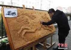 Chinese Man Quits Job to Work on Awe-Inspiring 500,000-Toothpick Painting - http://www.odditycentral.com/art/chinese-man-quits-job-to-work-on-awe-inspiring-500000-toothpick-painting.html