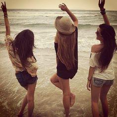 Resultado de imagem para 3 amigas inseparaveis tumblr